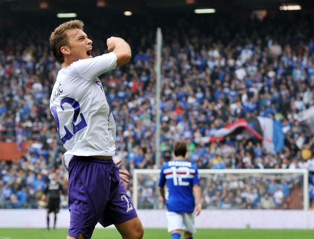 Ljajic segna il gol del 2-0 a Genova