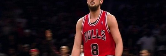 Marco Belinelli mostra gli attributi