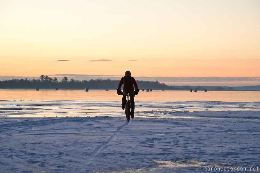 Ice Biking sul Lago Michigan