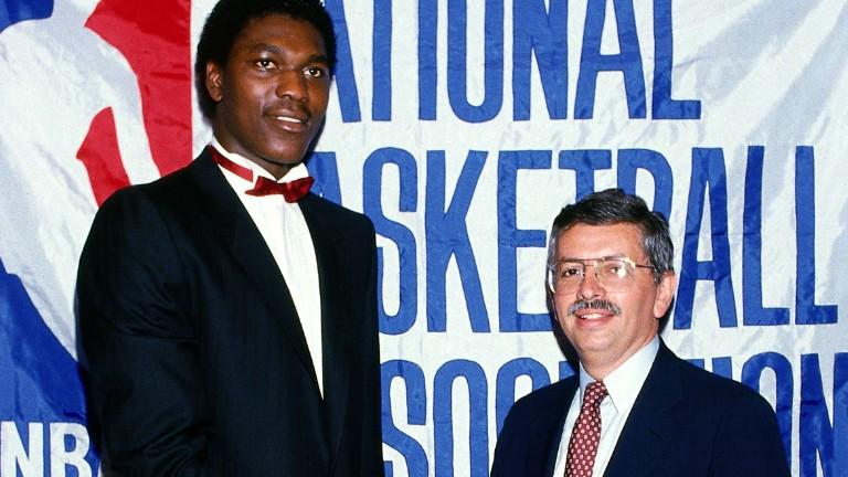 Stern ed il suo primo Draft, nel 1984, con Hakeem Olajuwon scelta n°1 di Houston