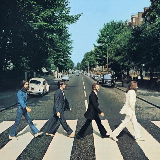 45 anni fa i Beatles passeggiavano ad Abbey Road