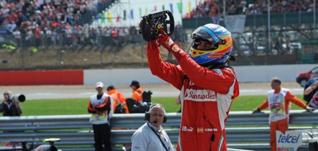 Alonso dopo una vittoria