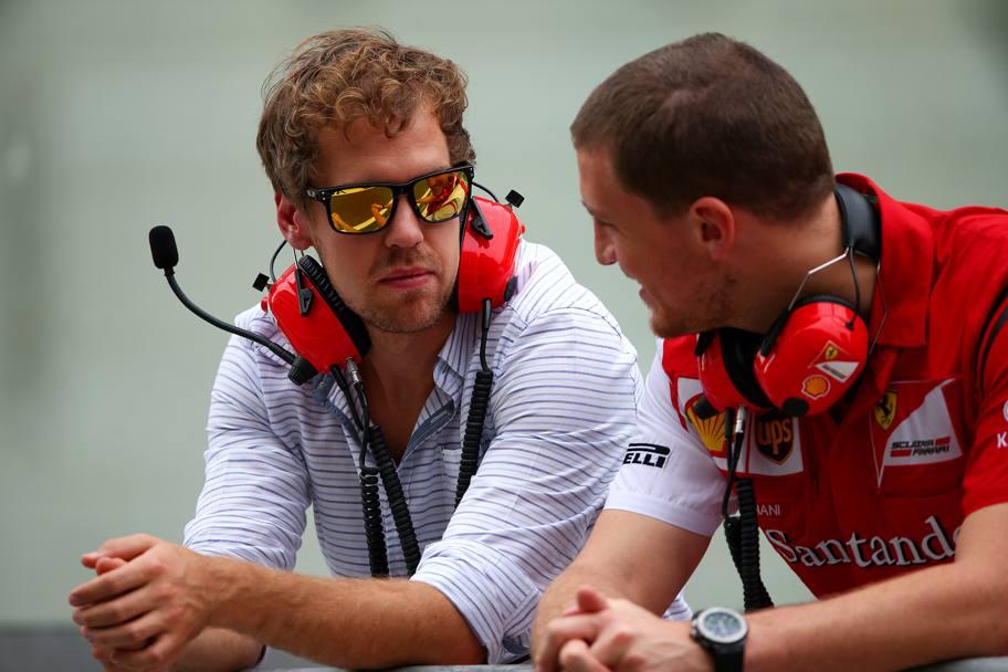 Sebastian Vettel nel Box Ferrari ad Abu Dabi