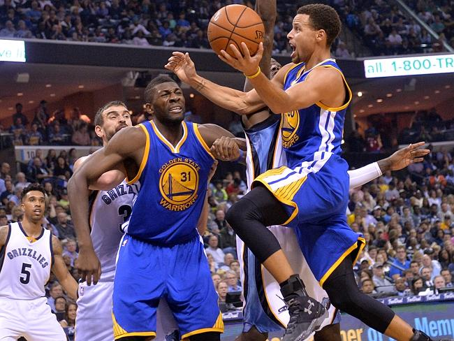Steph Curry, 28 punti contro Memphis