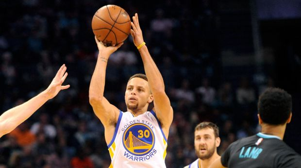 40 punti per Steph Curry
