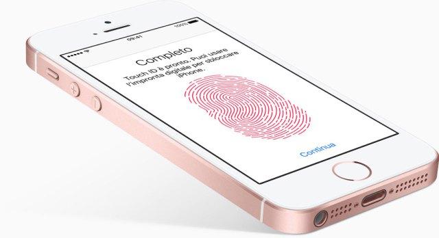 iPhone SE fa passi avanti anche sulla sicurezza grazie all'introduzione del Touch ID