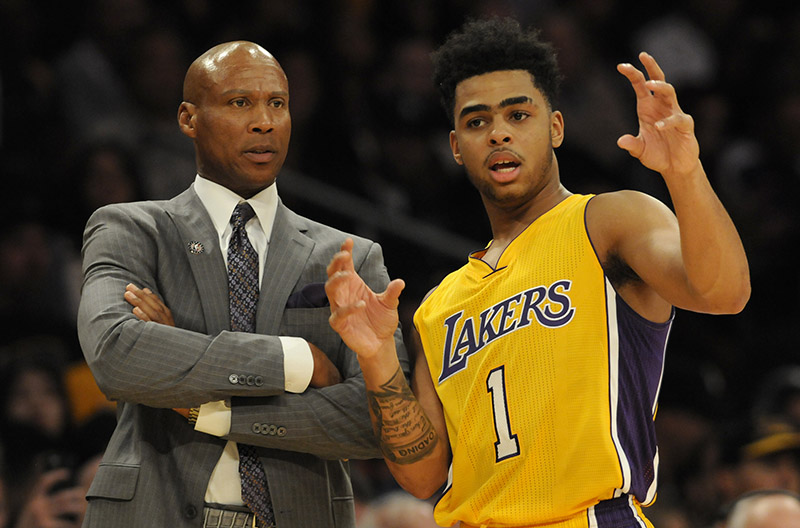 D'Angelo Russell con coach Byron Scott