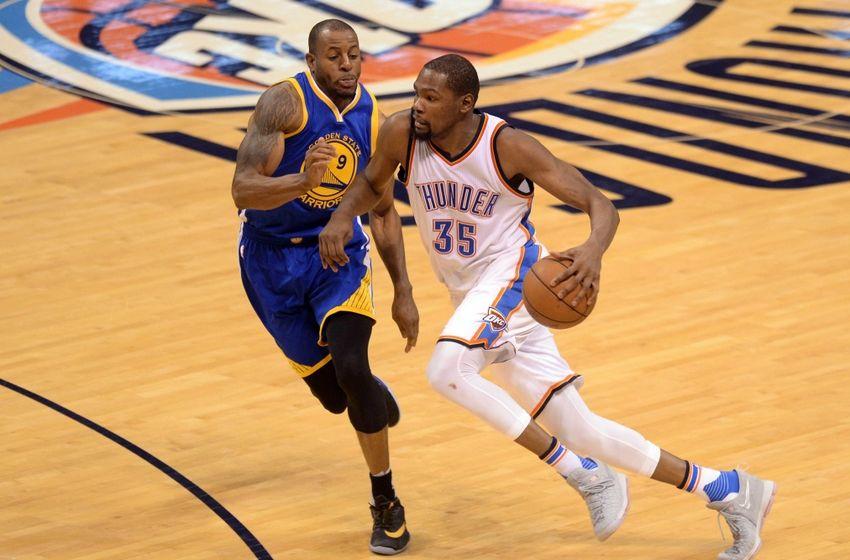 Andre Iguodala in difesa su Durant