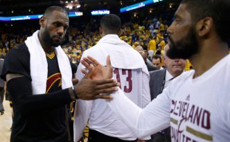 Lebron James e Kyrie Irving a fine partita