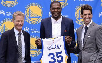 Kevin Durant presentato dai Golden State Warriors