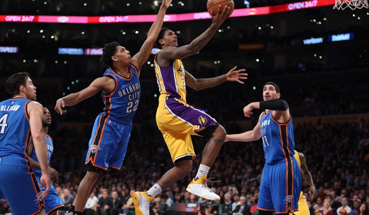 Lou Williams attacca la difesa dei Thunder