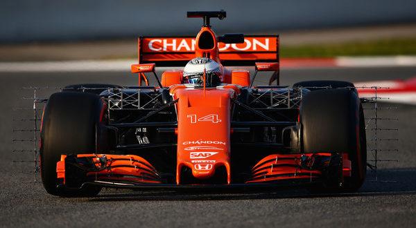 La McLaren di Fernando Alonso in azione