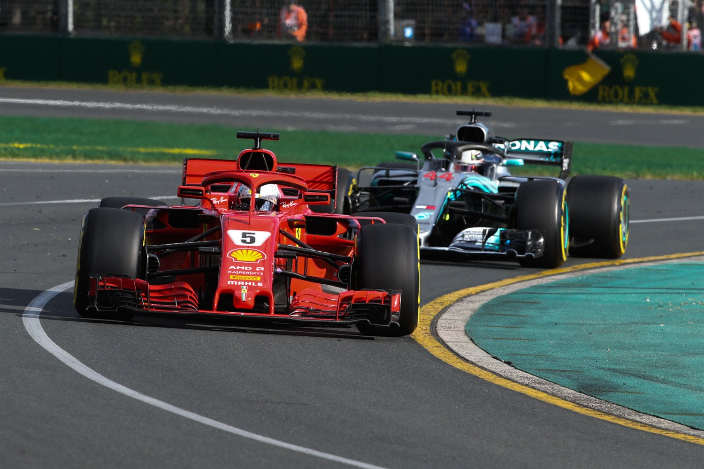 Vettel davanti ad Hamilton