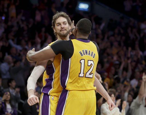 Gasol ed Howard hanno guidato i Lakers alla vittoria
