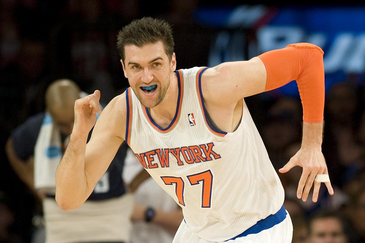 Bargnani in maglia Knicks. Lo rivedremo in campo a NY?