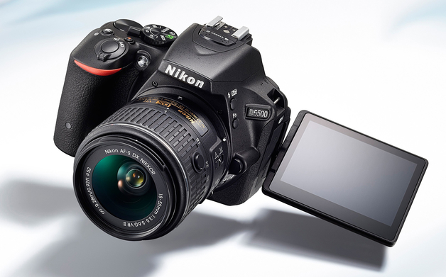 Nikon D5500, la prima Reflex con il display touchscreen