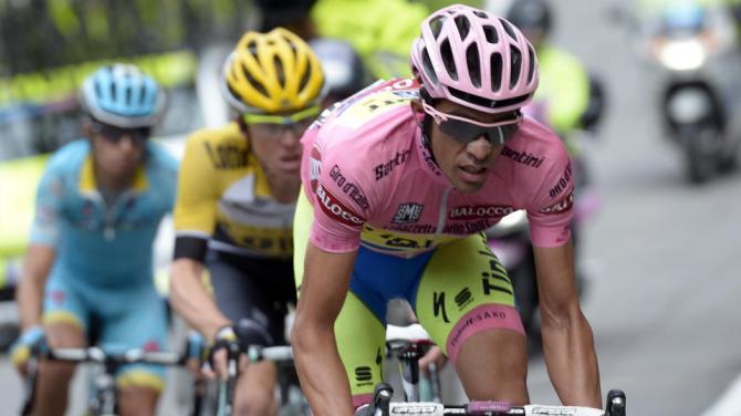Contador sul Mortirolo. E' lui il padrone del Giro 2015