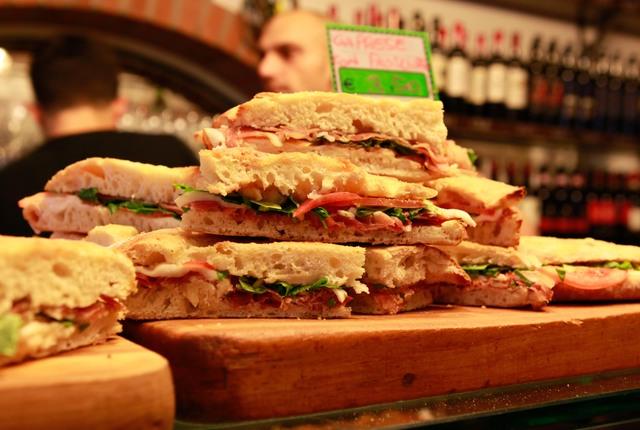 All'Antico Vinaio.... a Firenze si trova il locale più recensito al mondo su Tripadvisor