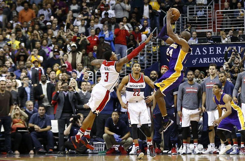 Il jump shoot di Kobe Bryant in faccia a Bradley Beal che ha chiuso la partita