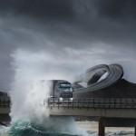 Il Storseisundet Bridge e la natura irruente delle acque oceaniche