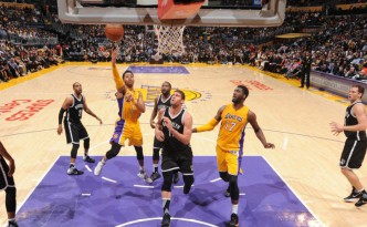 D'Angelo Russell acanestro contro i Nets