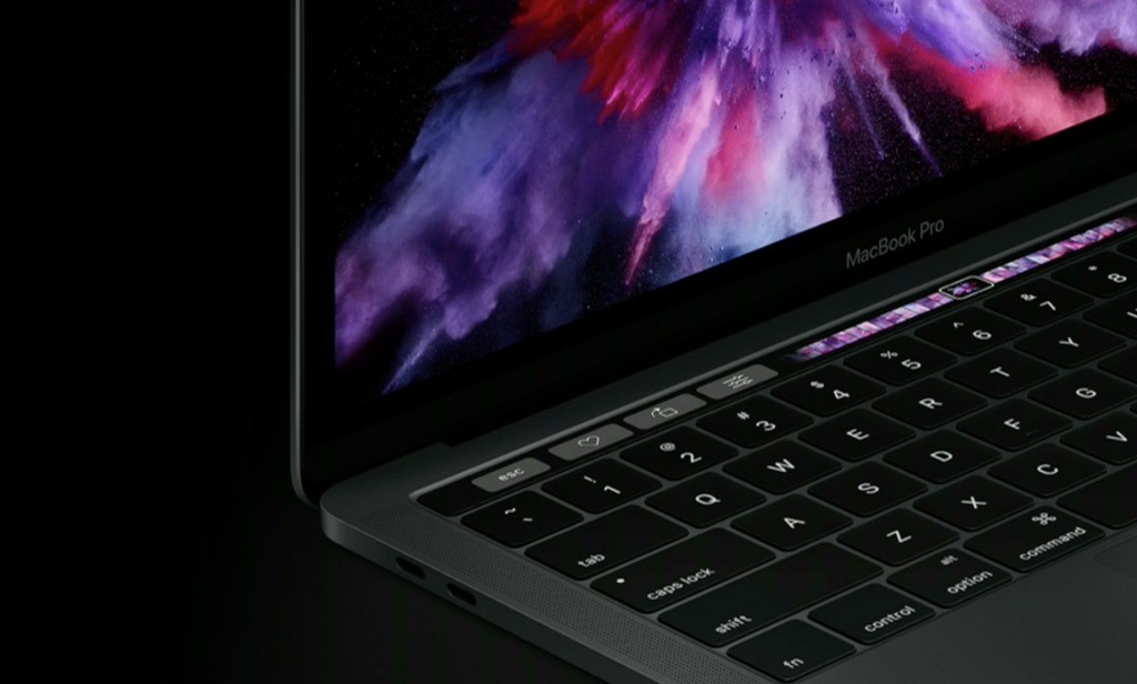 MacBook Pro con Touch Bar e Touch ID